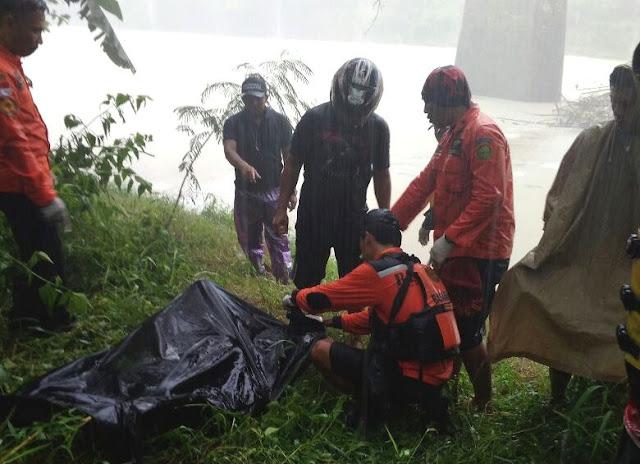 Tiga Hari Pencarian Di Bengawan Solo, Tim Basarnas Temukan Mayat Ahmad Muhadi