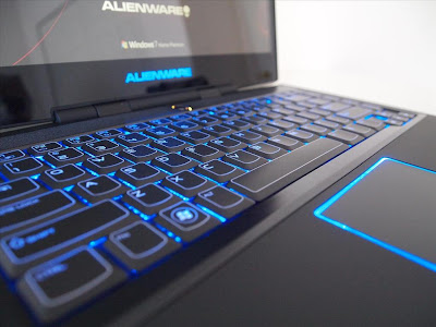 Alienware M14x keypad and mousepad