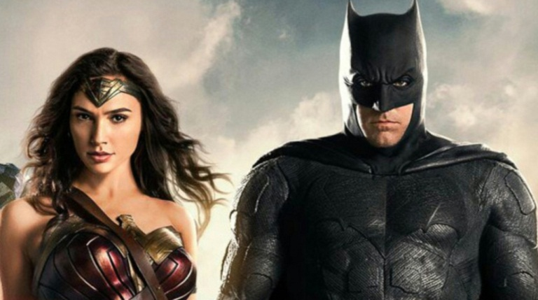 Polemik Adegan Sensual Batman dan Wonder Woman