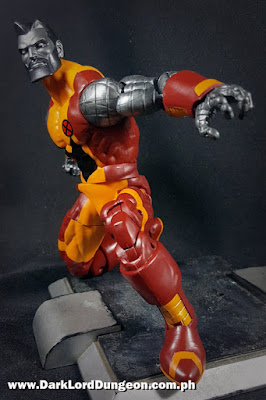 Marvel Legends Colossus kneeling