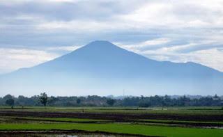 Jalur Pendakian Gunung Ciremai Via Apuy