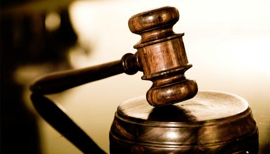 عزلُ المحامـي Lawyer Isolation لنفسهِ بينَ القانونِ واجتهاداتِ المحاكمْ: