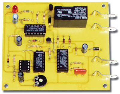 schema elctronique une alarme pour voiture electronique electricit. Black Bedroom Furniture Sets. Home Design Ideas