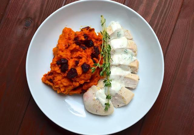 Kürbis - Rote Bete - Püree mit Hähnchenbrustfilet aus dem Ofen