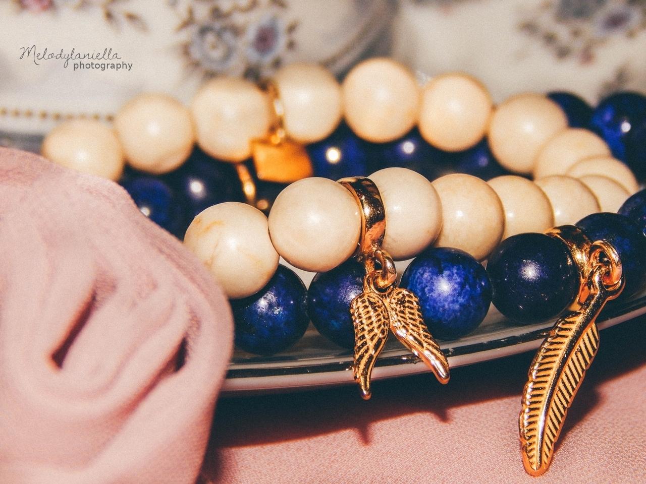 bizuteria z kamieni szlachetnych srebro zloto jewellery by Ana bizuteria bransoletki marmur charmsy 24k zloto skrzydla piórko marmur lapis lazuli