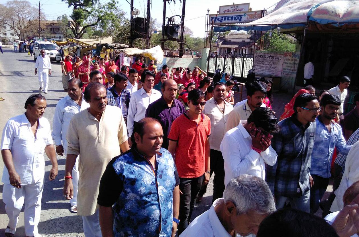 Shubhayatra-taken-out-of-the-city-on-entrance-of-rishabhchandra-vijay-muni-मुनिद्वय के मंगल प्रवेश पर शहर में निकाली गई शोभायात्रा