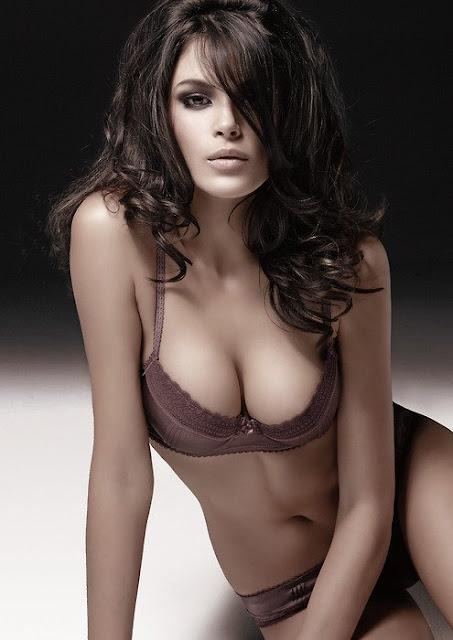 Jenna Pietersen in bikini, top model Jenna Pietersen