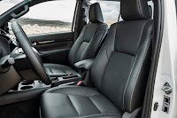 Toyota Hilux Invincible X Double Cab (2019) Front Seats