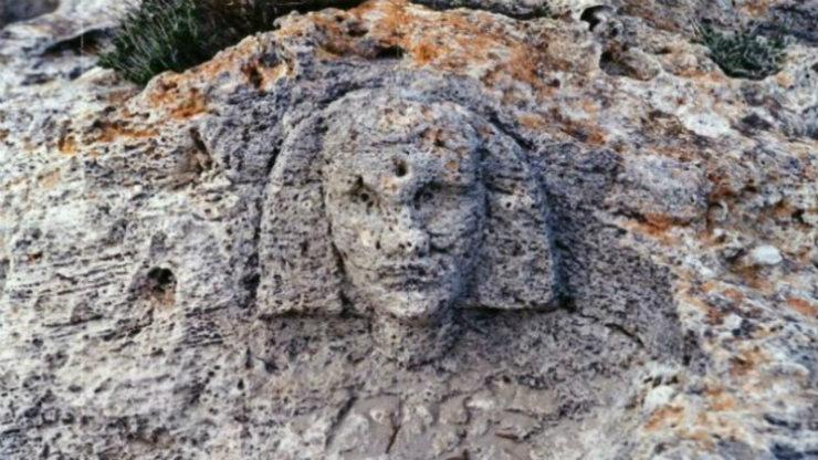 Η πυραμίδα στα Βιγκλάφια (Νεάπολη Λακωνίας)