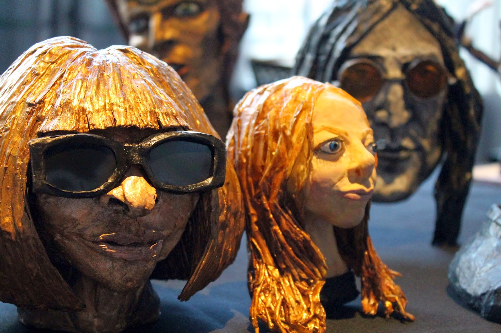 Anna wintour sculpture john lennon bowie by Flesh and Bone