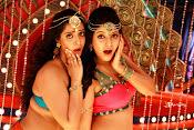 Madha Gaja Raja Movie Stills-thumbnail-8