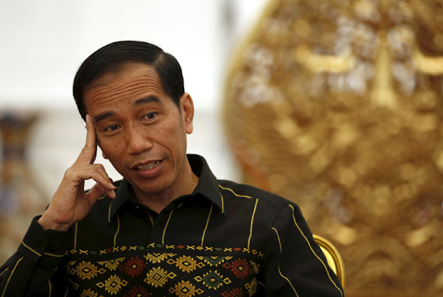 Meski Sudah Jatuh Korban, Jokowi Tolak Cabut Ijin PT Semen Indonesia Yang Diterbitkan Ganjar