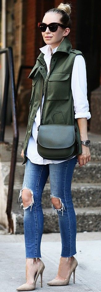 winter outfit idea / white shirt + vest + bag + ripped jeans + heels
