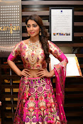 shriya saran new sizzling photos gallery-thumbnail-16