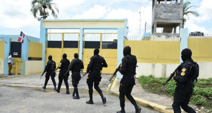 Trasladan a cárcel de Najayo a siete imputados por el caso Odebrecht