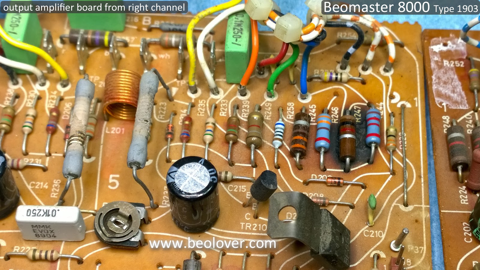 Beolover Beomaster 8000 Starting With The Output Amplifier Boards Resistor Is On Left Side Of Board Close To Heat Sink Both Show Some Darkened Places Right Channel Has A Really Bad Spot That Also Replaced Resistors