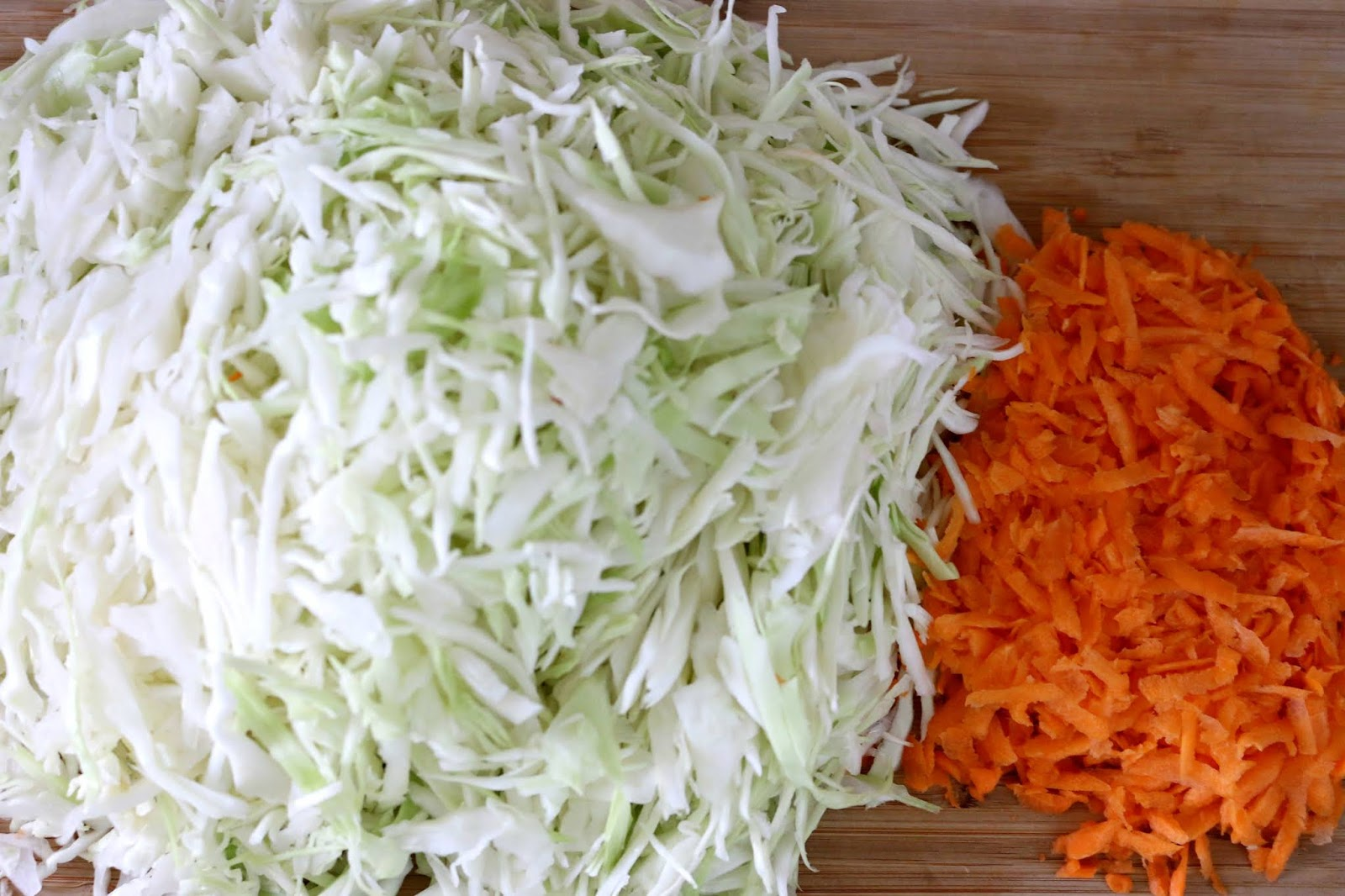 Easy Creamy Vegan Coleslaw Recipe