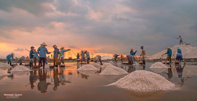 The salt fields near Van Phong Bay, Khanh Hoa province 18