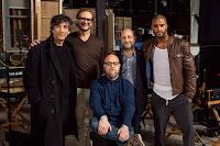 American Gods Set Photo Bryan Fuller, Neil Gaiman, Michael Green, Ricky Whittle and David Slade (44)