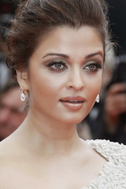 Beautiful Aishwarya Rai Hot Images 2016