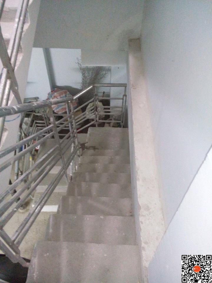 Lối cầu thang chuyển nhà B0301LO11