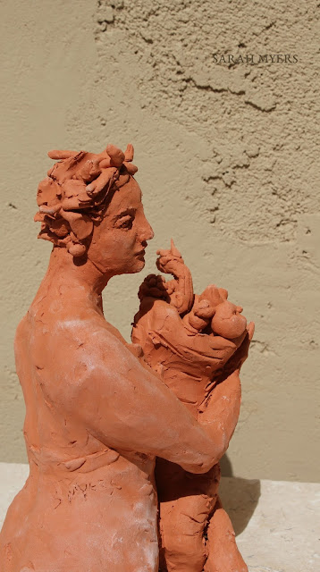 art, sculpture, sarah, myers, artist, arte, escultura, skulptur, kunst, scultura, terracotta, earthenware, sculptor, classical, figurative, red, clay, abundance, woman, terracotta, fast, spontaneous, horn, plenty, bounty, fruits, harvest, autumn, summer, contemporary, artwork, side, profile, line
