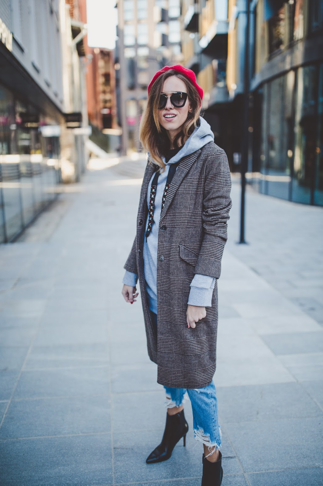 oversized coat beret outfit fall