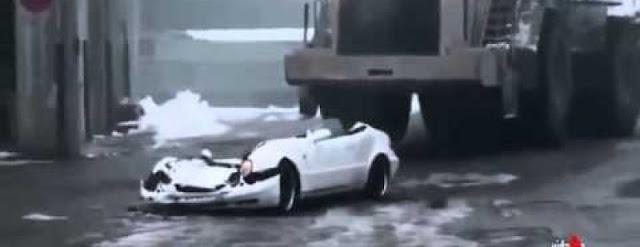 Cet employé va détruire la voiture de son boss vidéo