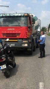 Conducători de autovehicule de mare tonaj sancționați de polițiștii locali