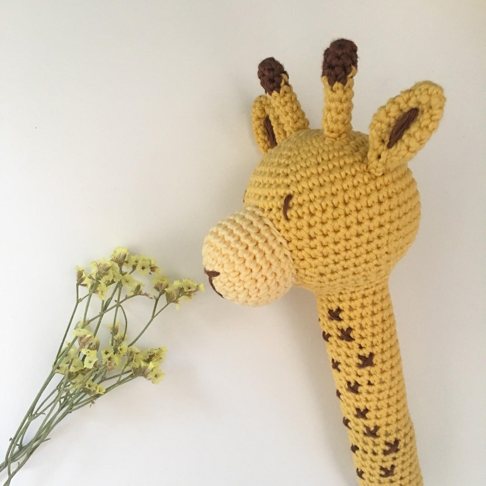 JIrafa Amigurumi Crochet | Materiales - Aguja Clover Amour 2… | Flickr | 1600x1600