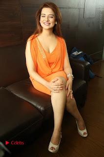 Actress Saloni Aswani Pos in Short Dress at Meelo Evaru Koteeswarudu Movie Interview  0270.JPG