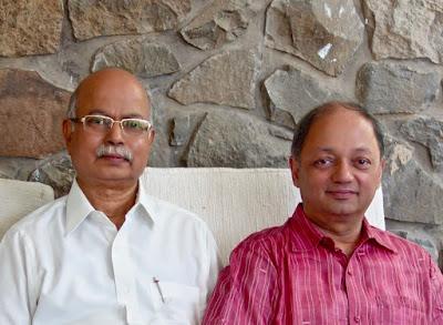( L to R ) Senior artist Shri. Yashwant Shirwadkar and Milind Sathe, Director, Indiaart Gallery