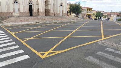 Picuí conta com sinalização amarela no asfalto para impedir o estacionamento de veículos nos cruzamentos