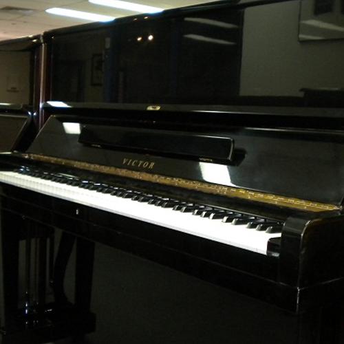 dan piano victor v31