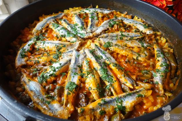 arroz con boquerones y verduras