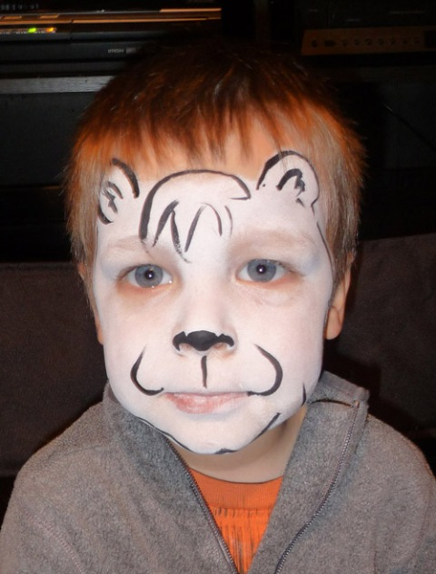 Bear Face Paint Easy