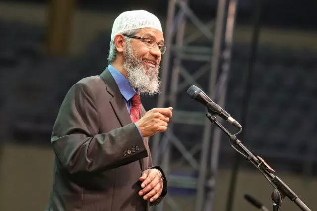 Mahathir Tolak Tekanan Non-Muslim Malaysia yang Ingin Zakir Naik Dideportasi