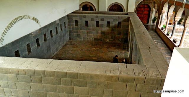 Paredes incas no interior do Qorikancha, Templo do Sol