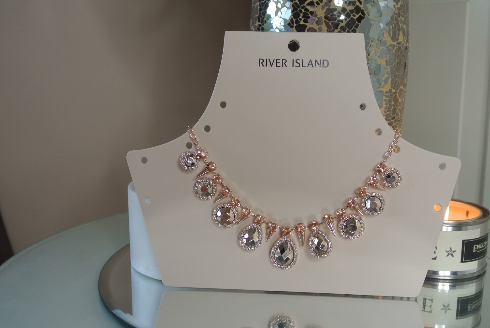 rose gold statement choker image