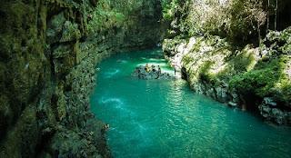 tempat wisata di jawa barat - green canyon pangandaran