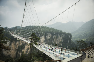 Beautiful Chinese glass bridge photos