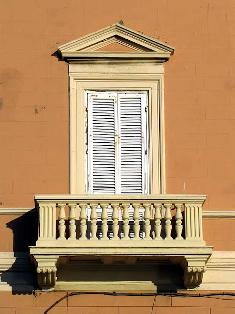 Balcony facing the sea, viale Italia, Livorno