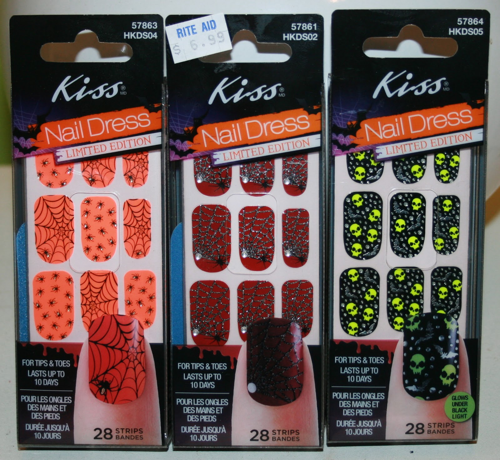 BeautyScraps: Trick or Treat? Kiss Halloween Nail Dress Review