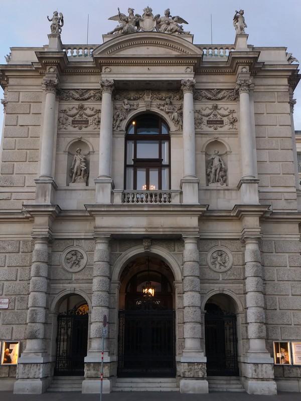 Vienne Vienna Wien Burgtheater theatre Ring visite