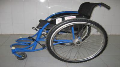 Kỹ thuật di chuyển bằng xe lăn cho người bị chấn thương cột sống
