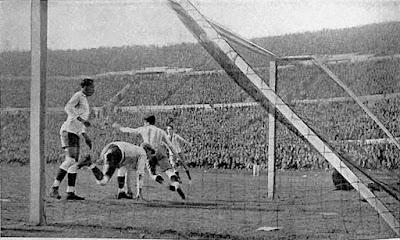 المباراة النهائية بين أوروجواى و الأرجنتين 1930