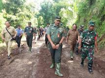 Tim Wasev Mabes TNI Tinjau TMMD di Desa Ranolambot