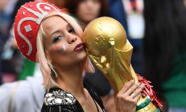 صور من المشجعين البنات الساخنة في كأس العالم 2018
