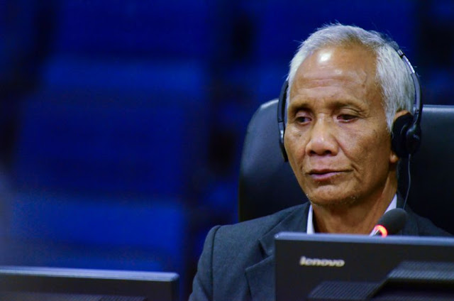 Sao Maing testifies at the Extraordinary Chambers in the Courts of Cambodia during Case 002/02 yesterday in Phnom Penh. ECCC