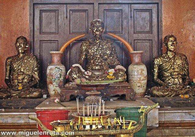 Religión-Wat-Traimit-Bangkok